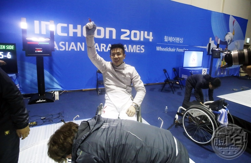 incheonapg2014__KK_8875_wheelchairfencing_141020