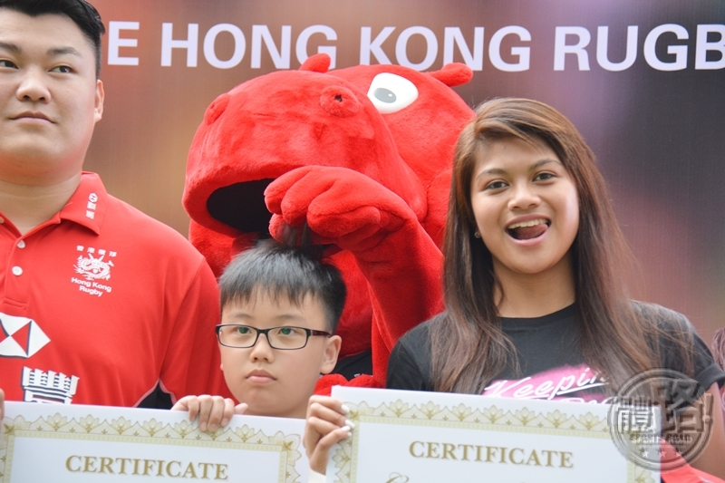 rugby_hsbc_hkru_cheeronthehongkongrugbyteam_ceremony_20160407-17